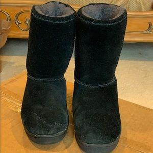 Lamo boots size 6 kids